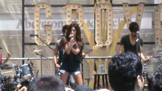 "StarStruckFanz.com zees Ashley Tisdale performing ""Tell Me Lies""  LIVE @ The Grove in LA"