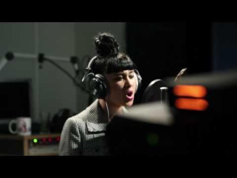 "Natalia Kills ""Mirrors"" - live @ Ö3 Studios, Vienna"