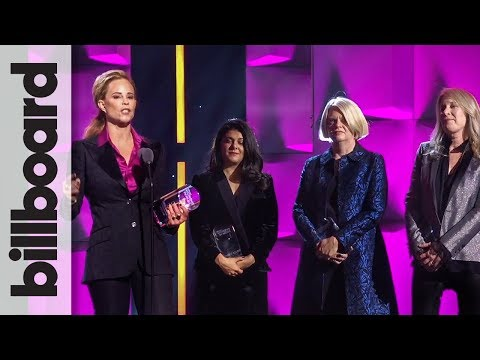 Executives of the Year Recipients Accept Award | Women in Music