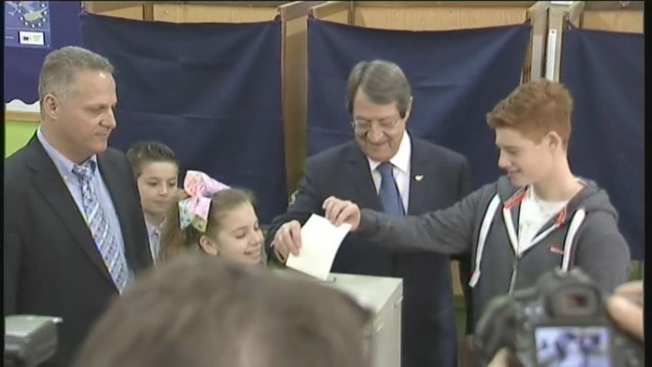 Άνοιξαν οι κάλπες για τις 13ες προεδρικές εκλογές στην Κυπριακή Δημοκρατία