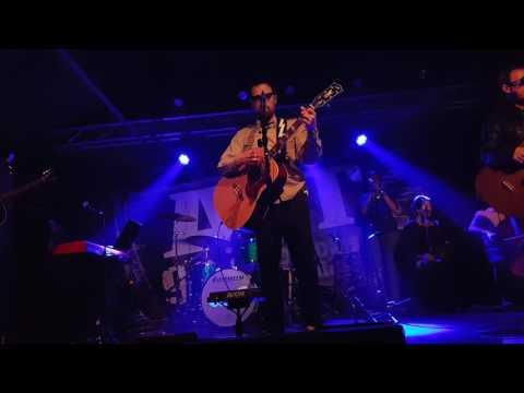 "Weezer ""Slave"" - Live - Boston - 12.2.2016"