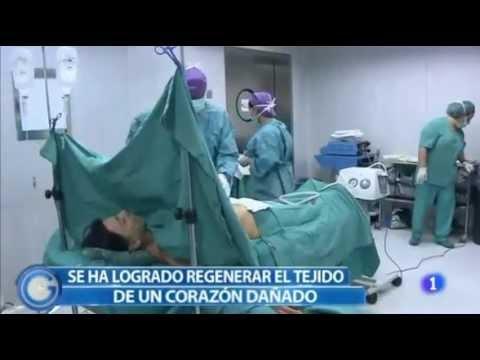 El hinchazón del pecho después de la instalación implanta