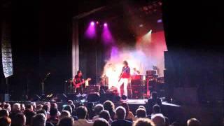 Peter Koppes shreds through Jimi Hendrix's Purple Haze
