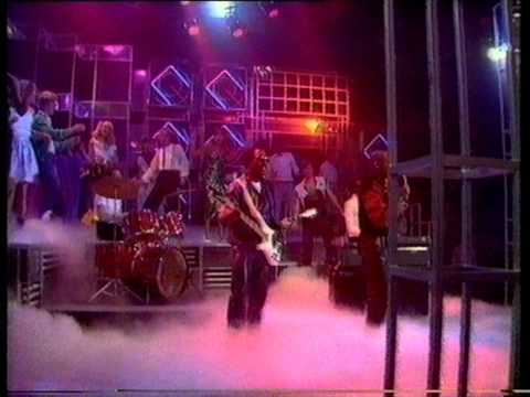 Hot Chocolate - What Kinda Boy Youre Looking For (Girl). Top Of The Pops 1983