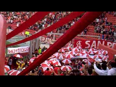 """""""Independiente - Boca // """"La banda del rojo ya llego..."""""""" Barra: La Barra del Rojo • Club: Independiente • País: Argentina"""