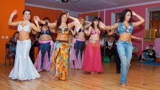 Смотреть онлайн Мастер класс: восточный танец живота для начинающих
