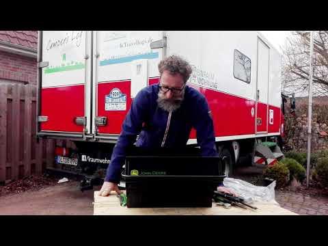 Unboxing unseres Gewinns: John Deere Werkzeugbox