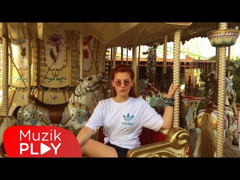 İpek Özcan – Dönsün Dünya (Official Video)