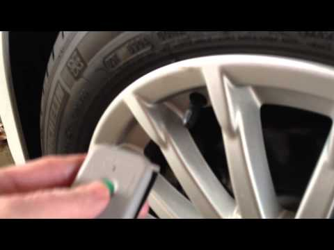 HOW TO VIDEO:  Ford C-MAX Energi Tire Pressure Monitoring System (TPMS) Reset/Resynchronize