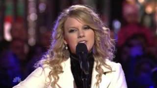 Taylor Swift - Silent Night christmas at rockefeller 2007