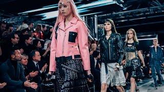 Louis Vuitton Women's Spring-Summer 2016 Fashion Show