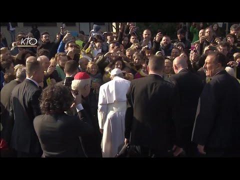 Le Pape François rencontre les résidents du quartier Forlanini à Milan