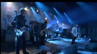 Standing On The Edge Of The Noise - Beady Eye (Live) Reading Festival 2011