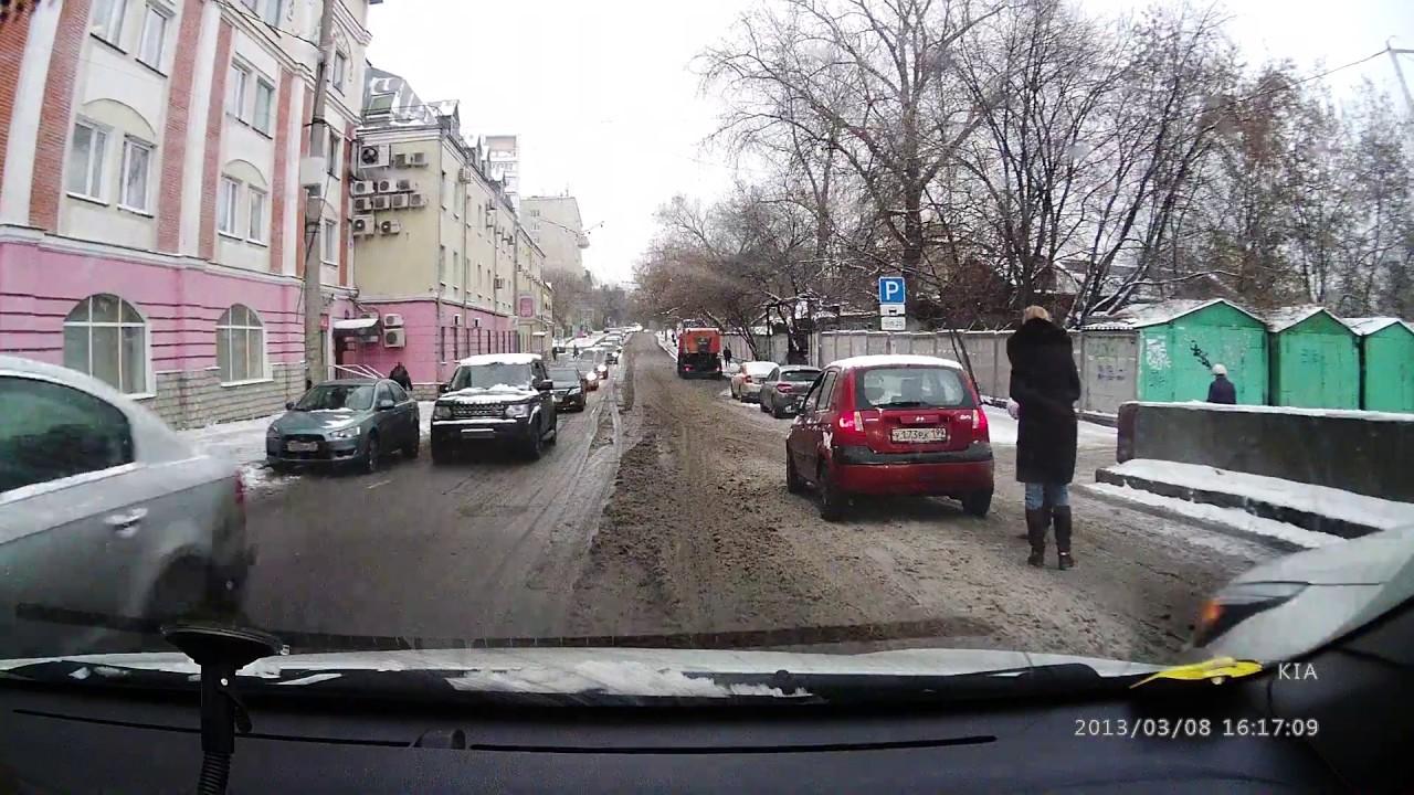 День жестянщика в Москве после ночного снегопада