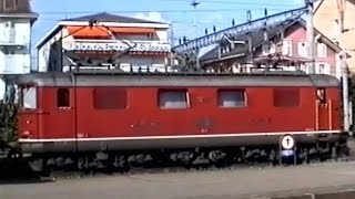 preview picture of video 'Trains CFF - SBB Züge - Treni FFS - Gare/Bahnhof/Stazione Morges & Renens - 1991'