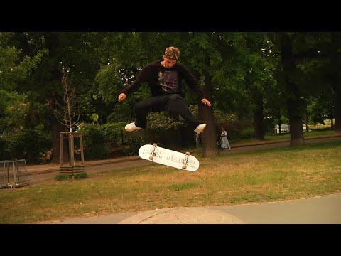 Image for video FLYTECC FOOTY + BONUS CLIPS (RAW)