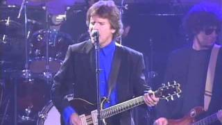 "John Fogerty Performs ""Green River"" at the 1993 Hall of Fame Inductions"
