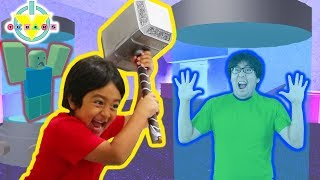 RYAN IS THE BEAST IN FLEE THE FACILITY ON ROBLOX ! Let's Play with Ryan's Daddy