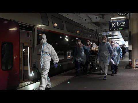 Γαλλία: Μεταφέρουν ασθενείς με τρένα εκτός Παρισιού