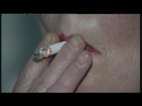 Der Magnet auf das Ohr, um Rauchen aufzugeben