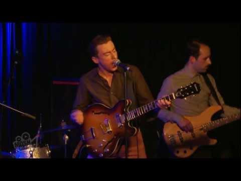 Eugene McGuinness - Sugarplum (Live in London)   Moshcam