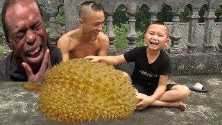Sầu Riêng - Đặc Sản Việt Nam Khiến Tây Ba Lô Cũng Phải Chào Thua