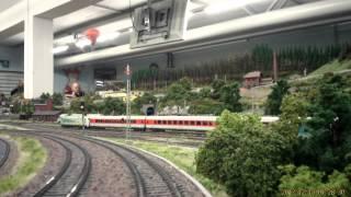 preview picture of video 'Video Fahrt auf der Modellbahnanlage des Modelleisenbahnclub Landshut Bayern'