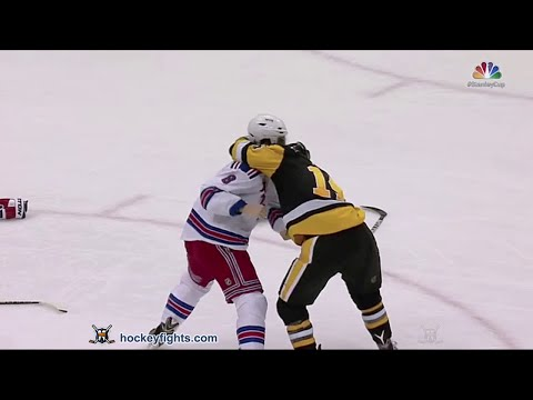 Chris Kunitz vs. Kevin Klein