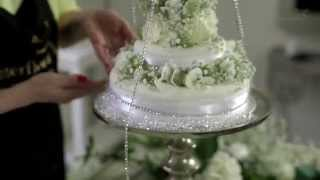How To Make A Celebrity Inspired Floral Wedding Cake - Interflora