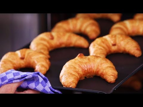 Croissants with the new RATIONAL SelfCookingCenter 5Senses