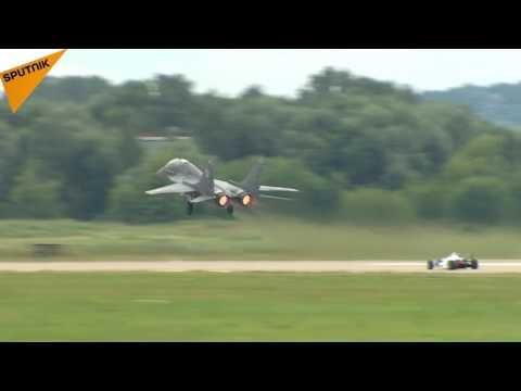 Formula 1 Race Car vs. MIG Fighter Jet at MAKS 2017 Airshow