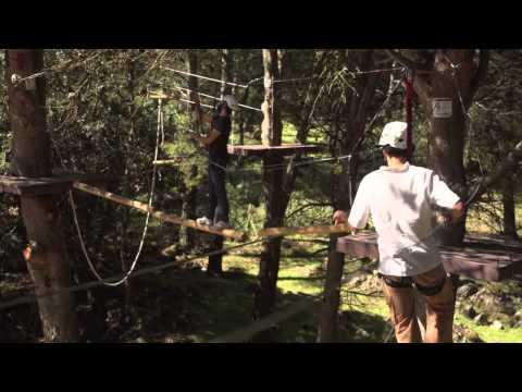 Parque de arborismo en el entorno natural de la Sierra de los Camarolos, Villanueva del Trabuco