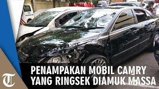 Penampakan Mobil Camry yang Rusak Diamuk Massa Setelah Pengemudi Tabrak Mercy dan 5 Pengendara Motor