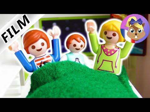 Film Playmobil en français - Mia dort chez Julian! Emma ne veut pas d'elle à la maison? Famille Brie