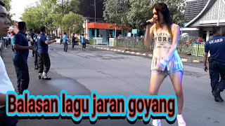 KEREN BALASAN LAGU JARAN GOYANG-MANTAP ABIS-SENAM SATPAM