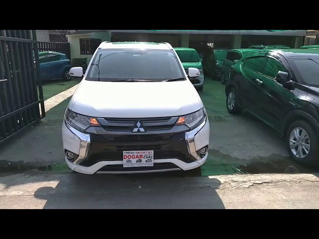 Mitsubishi Outlander PHEV 2017 for Sale in Lahore
