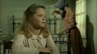 Caroline et Mary discutent (VO)