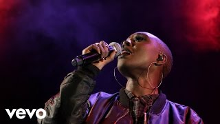 Laura Mvula - Same Old Mistakes (Tame Impala & Rihanna cover in the Live Lounge)