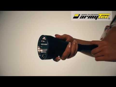 Valotilatehojen vaihto Armytek Barracuda Pro hakuvalossa. Vaihda Turbo tilasta Basic tilaan. Strobo