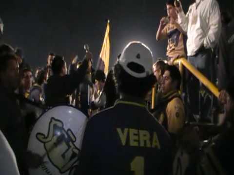 """""""Entrada de la Plus-Pumas al Tunel en el Estadio Olimpico"""" Barra: La Plus • Club: Pumas"""