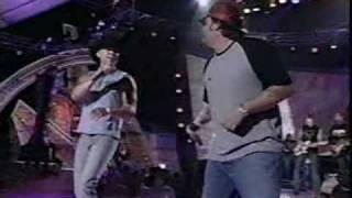 Kenny Chesney & Uncle Cracker - When The Sun Goes Down (LIVE)