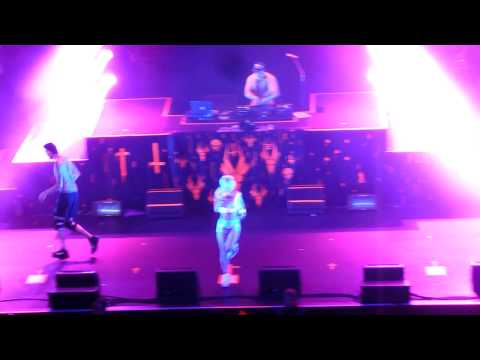 Die Antwoord - Baby's On Fire/ I Fink U Freeky live @ Fox Theater  Oakland - September 25, 2014 (видео)