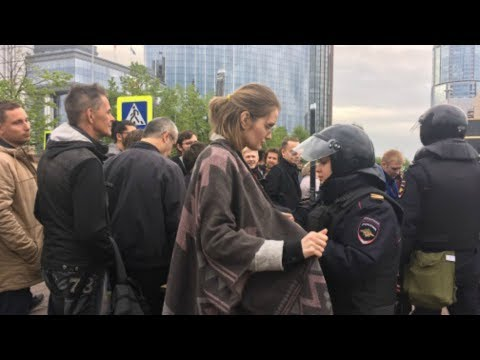Пятый день борьбы за сквер в Екатеринбурге. Репортаж с места противостояния.