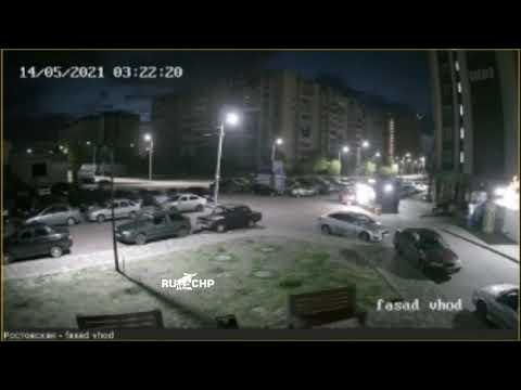 «Хендэ», протаранивший киоск с продавцом внутри, попал на видео