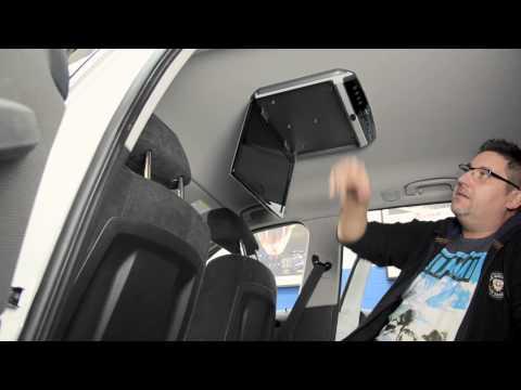 """AMPIRE 15"""" Full-HD Deckenmonitor installiert in einen BMW X1"""