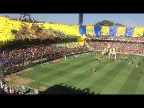 """""""La bandera más grande del mundo Rosario Central los guerreros"""" Barra: Los Guerreros • Club: Rosario Central"""