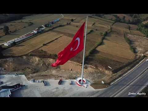 Türkiyenin en büyük bayraklarından birisi Samsun Kavaktadır
