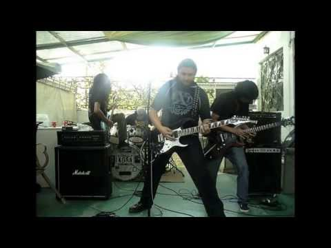 IlluminattI - Metal War (ensayo)