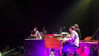 Norah Jones and Wes Hutchinson cover Drivin' N Cryin's 'Straight To Hell'