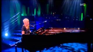 Annie Lennox - A Thousand Beautiful Things/Sisters Are Doin' It (Live Parkinson 2008)
